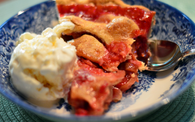 Mouthwatering Strawberry Rhubarb Pie