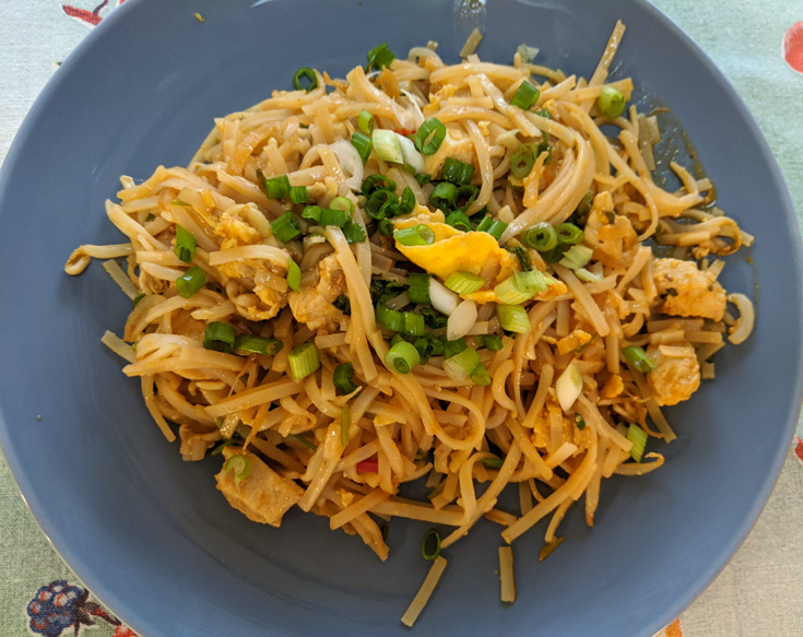 at mimi's table one pot chicken pad thai