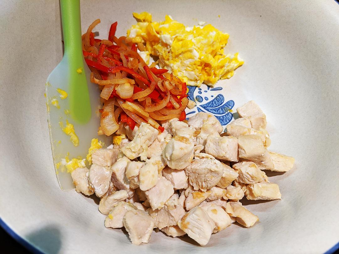 at mimi's table one pot pad thai veggie bowl